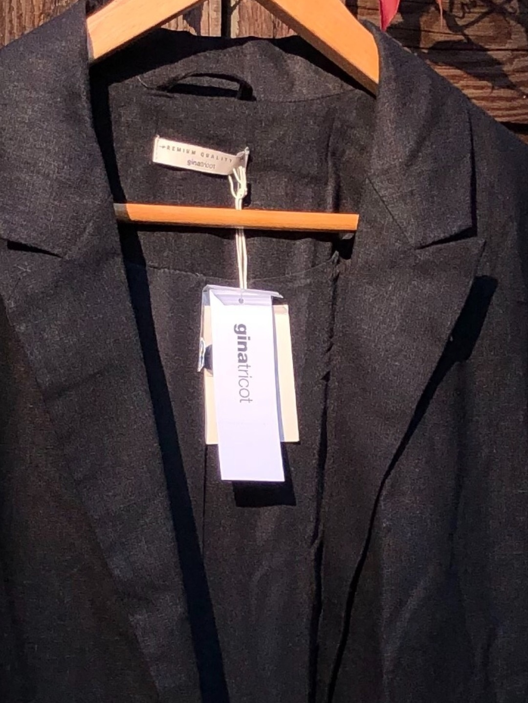 Women's blazers & suits - GINA TRICOT photo 2