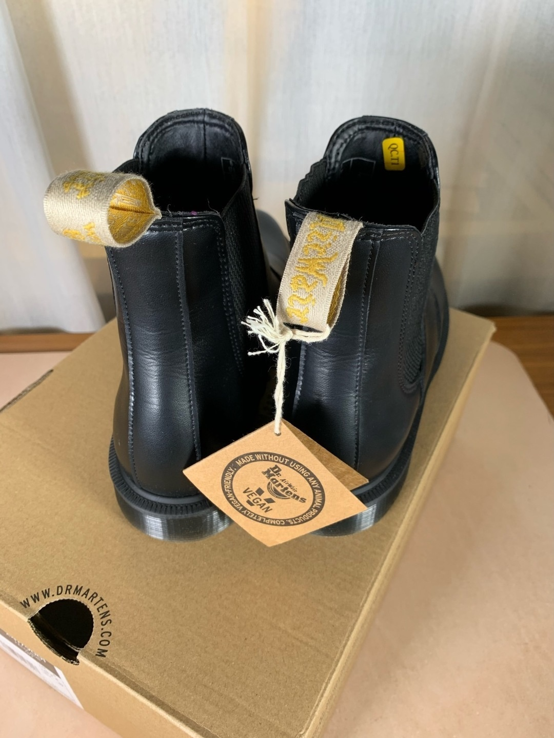 Women's boots - DR. MARTENS photo 3