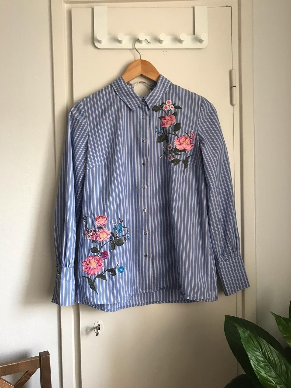 Women's blouses & shirts - STRADIVARIUS photo 1