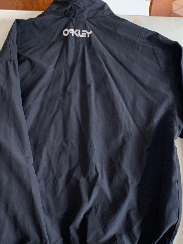 Women's sportswear - OAKLEY photo 3