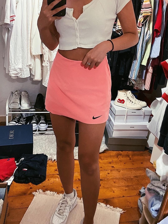 Women's skirts - NIKE photo 1