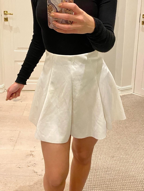 Women's skirts - BERSHKA photo 1