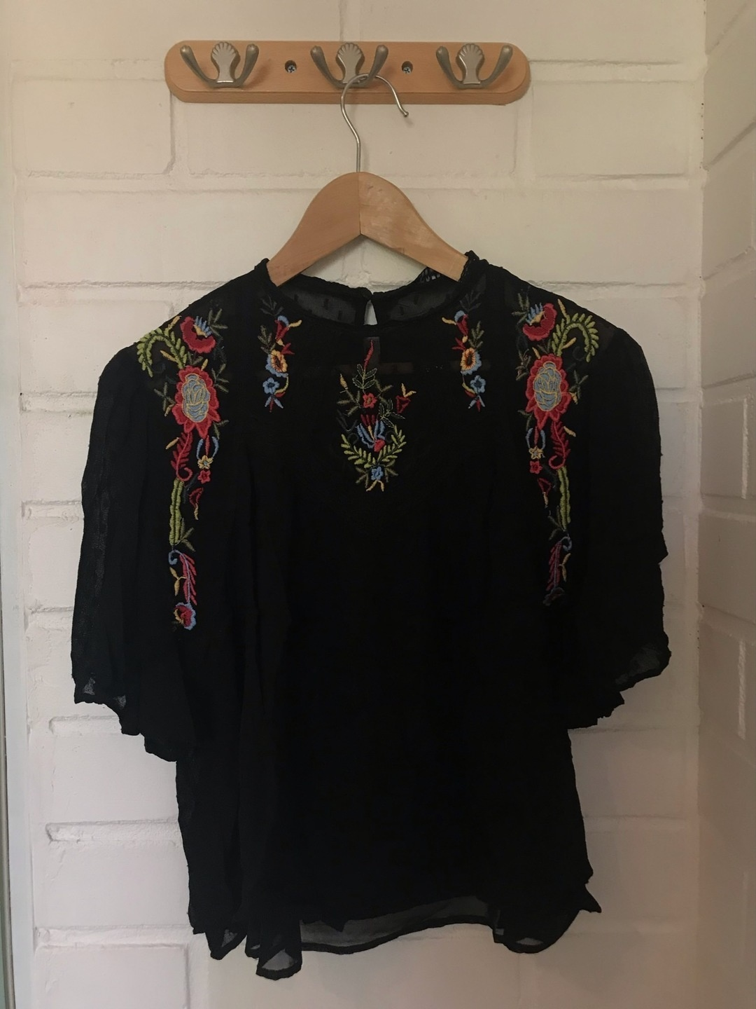 Women's tops & t-shirts - ZARA photo 1