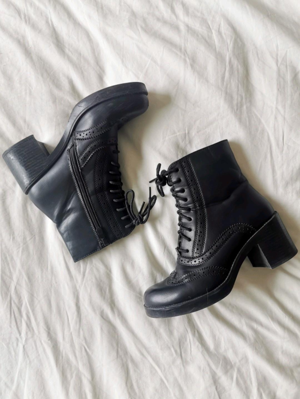 Women's boots - SUPER MODE photo 1