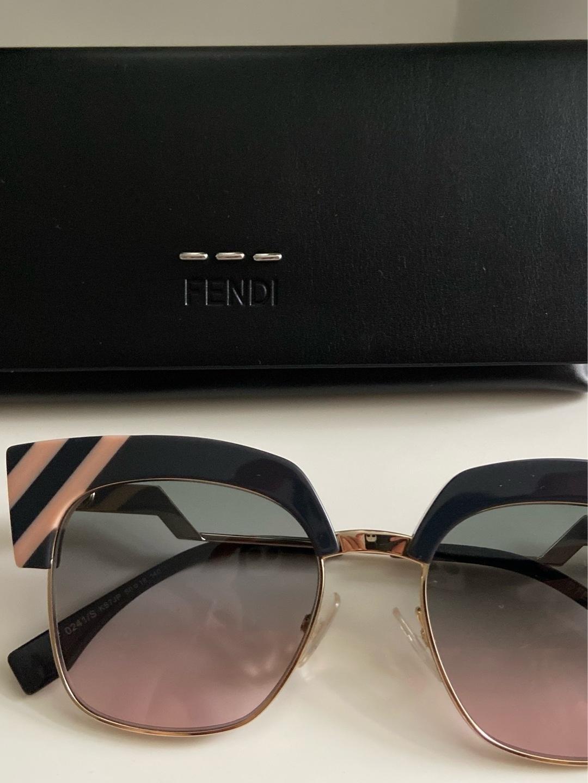 Damen sonnenbrillen - FENDI photo 1