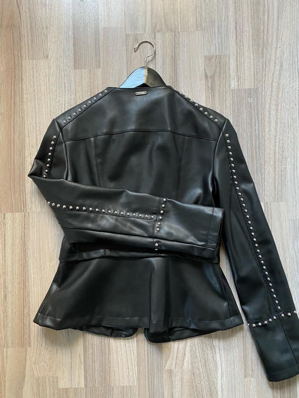 Women's coats & jackets - GUESS photo 2