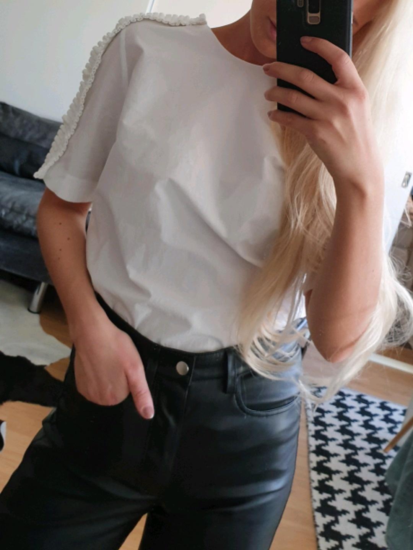 Damen blusen & t-shirts - COS photo 3