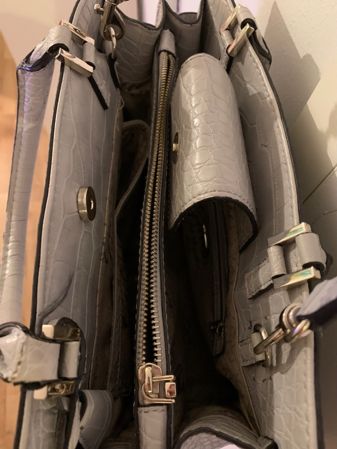Naiset laukut & lompakot - GUESS photo 3