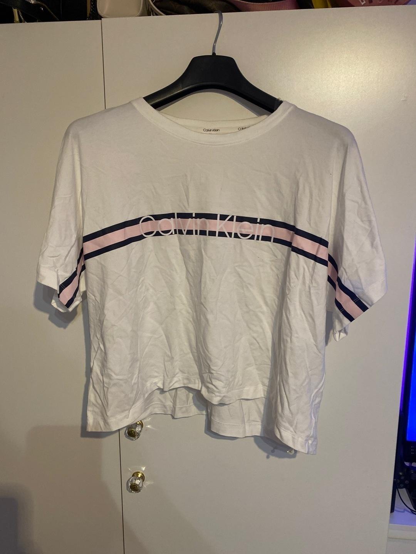 Naiset topit & t-paidat - CALVIN KLEIN photo 1