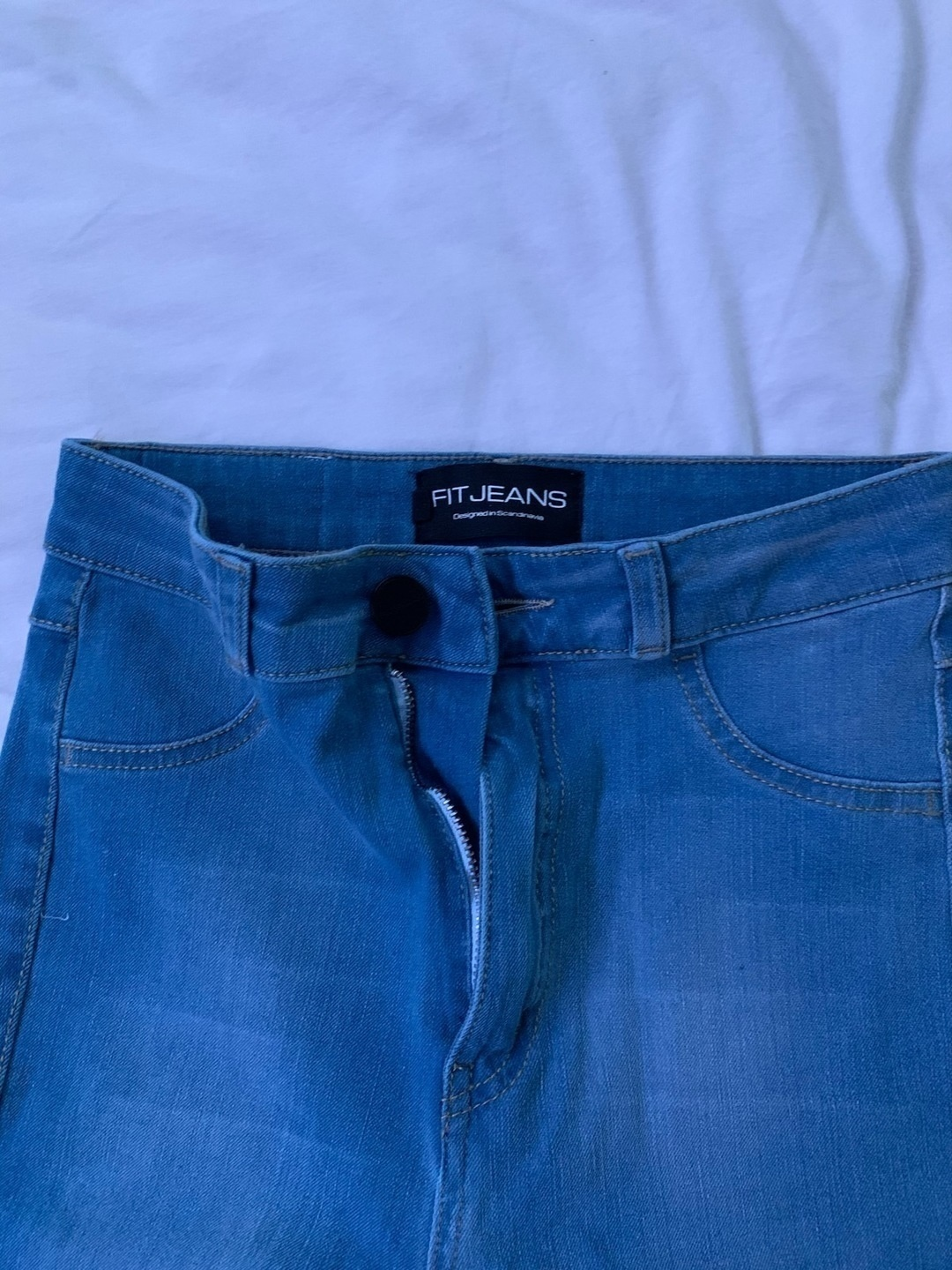 Women's trousers & jeans - FITJEANS photo 3