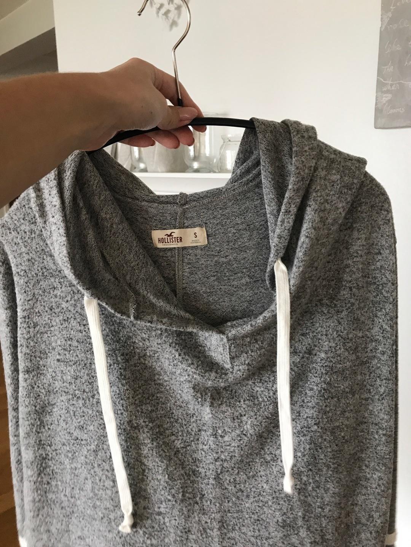 Women's hoodies & sweatshirts - HOLLISTER photo 2
