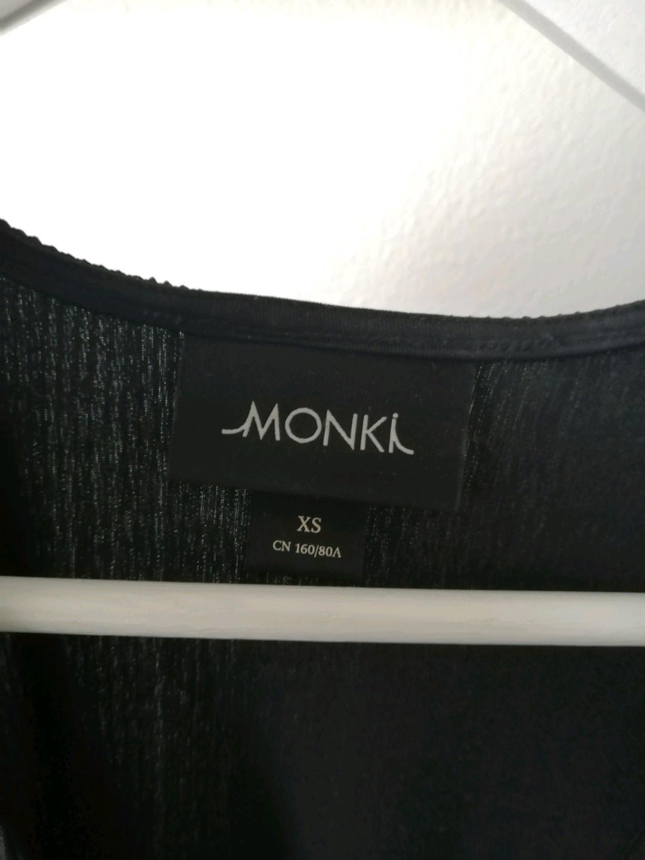 Women's dresses - MONKI photo 3