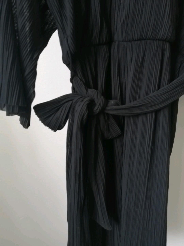 Women's dresses - MONKI photo 2