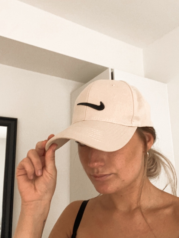 Women's hats & caps - NIKE photo 1