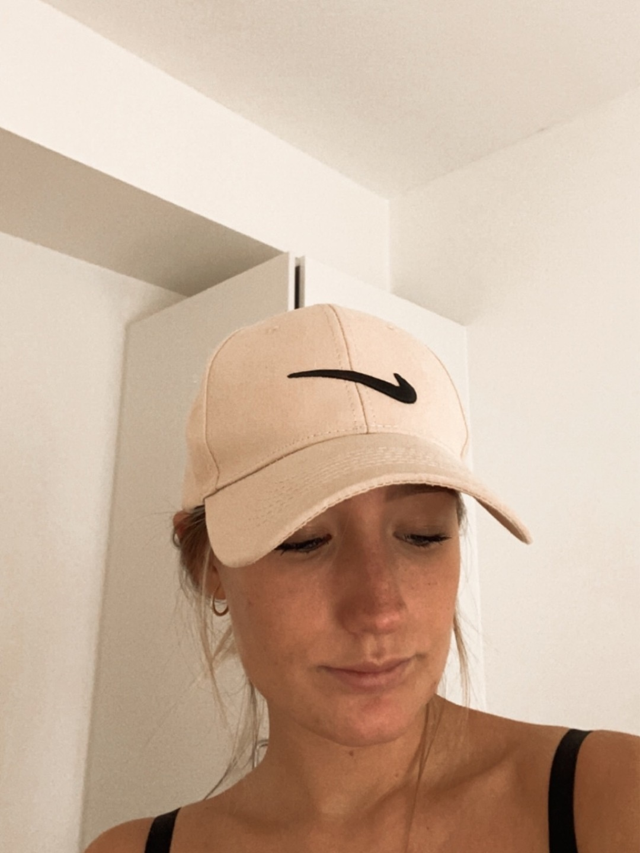 Women's hats & caps - NIKE photo 2