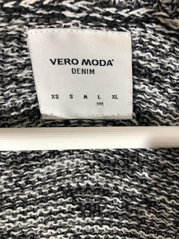 Naiset neuleet & villatakit - VERO MODA photo 3
