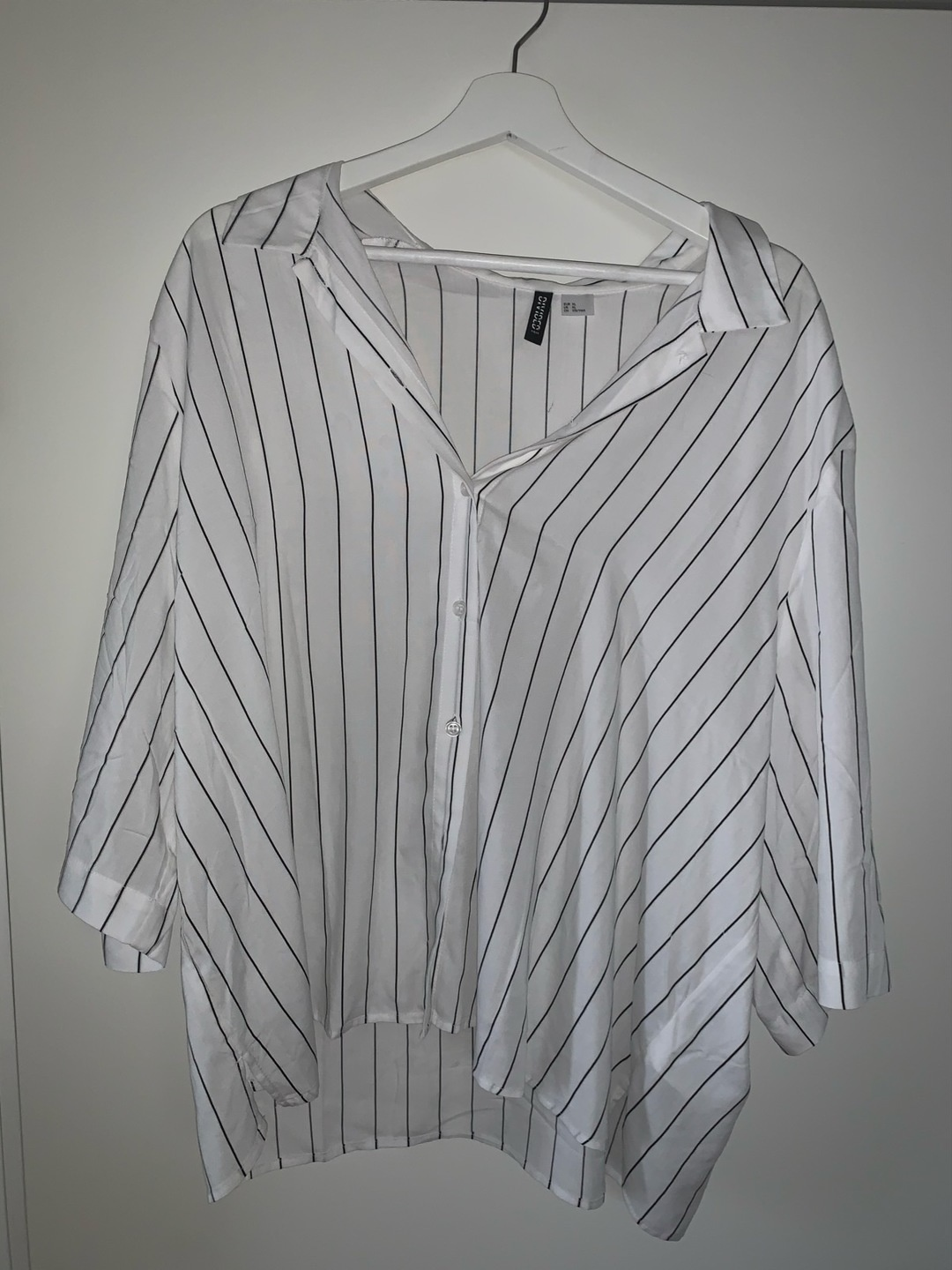 Women's blouses & shirts - H&M photo 1