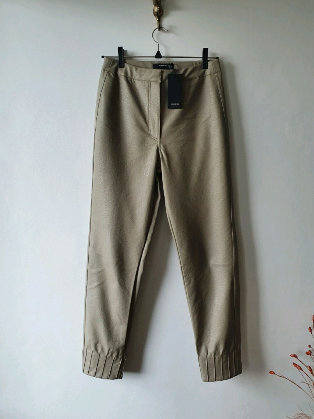 Women's trousers & jeans - RESERVED photo 3