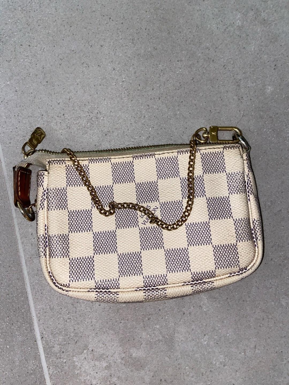 Women's bags & purses - LOUIS VUITTON photo 1