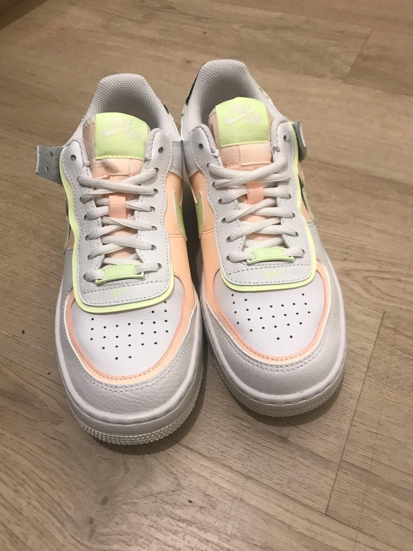 Women's sneakers - NIKE photo 1
