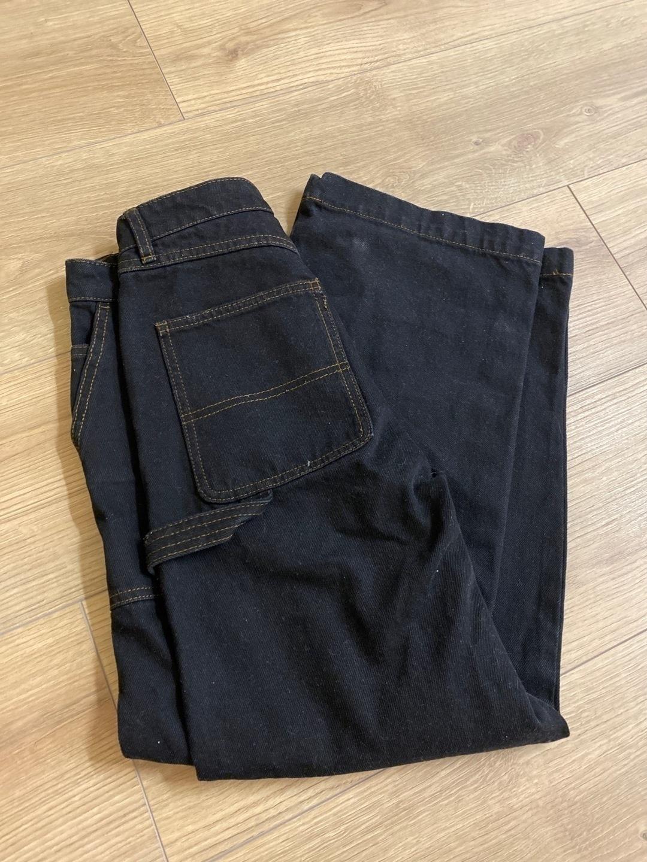 Women's trousers & jeans - MONKI photo 2