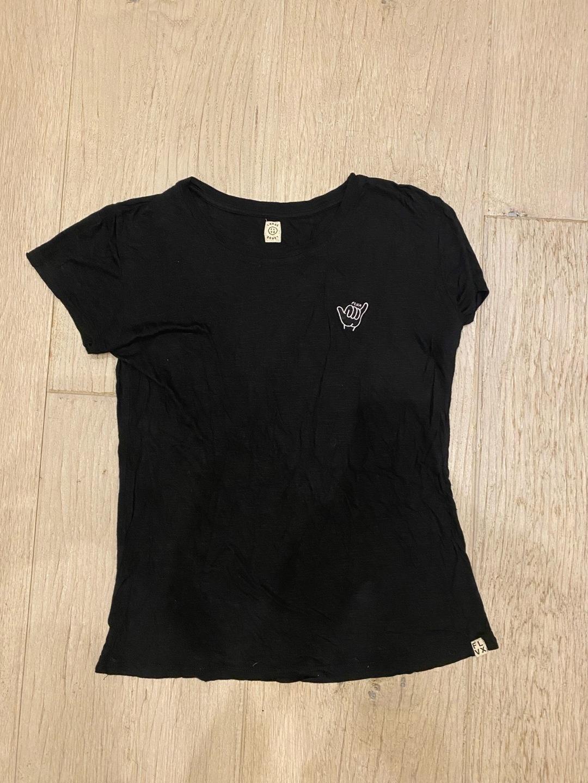 Women's tops & t-shirts - FLVX photo 3