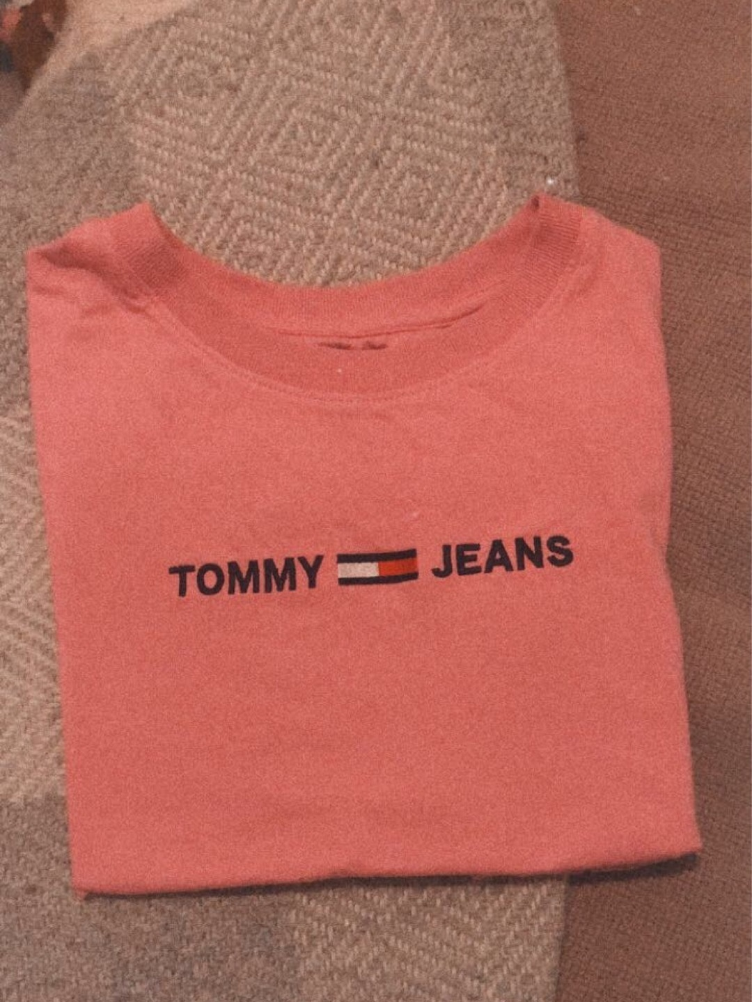Damers toppe og t-shirts - TOMMY JEANS photo 1