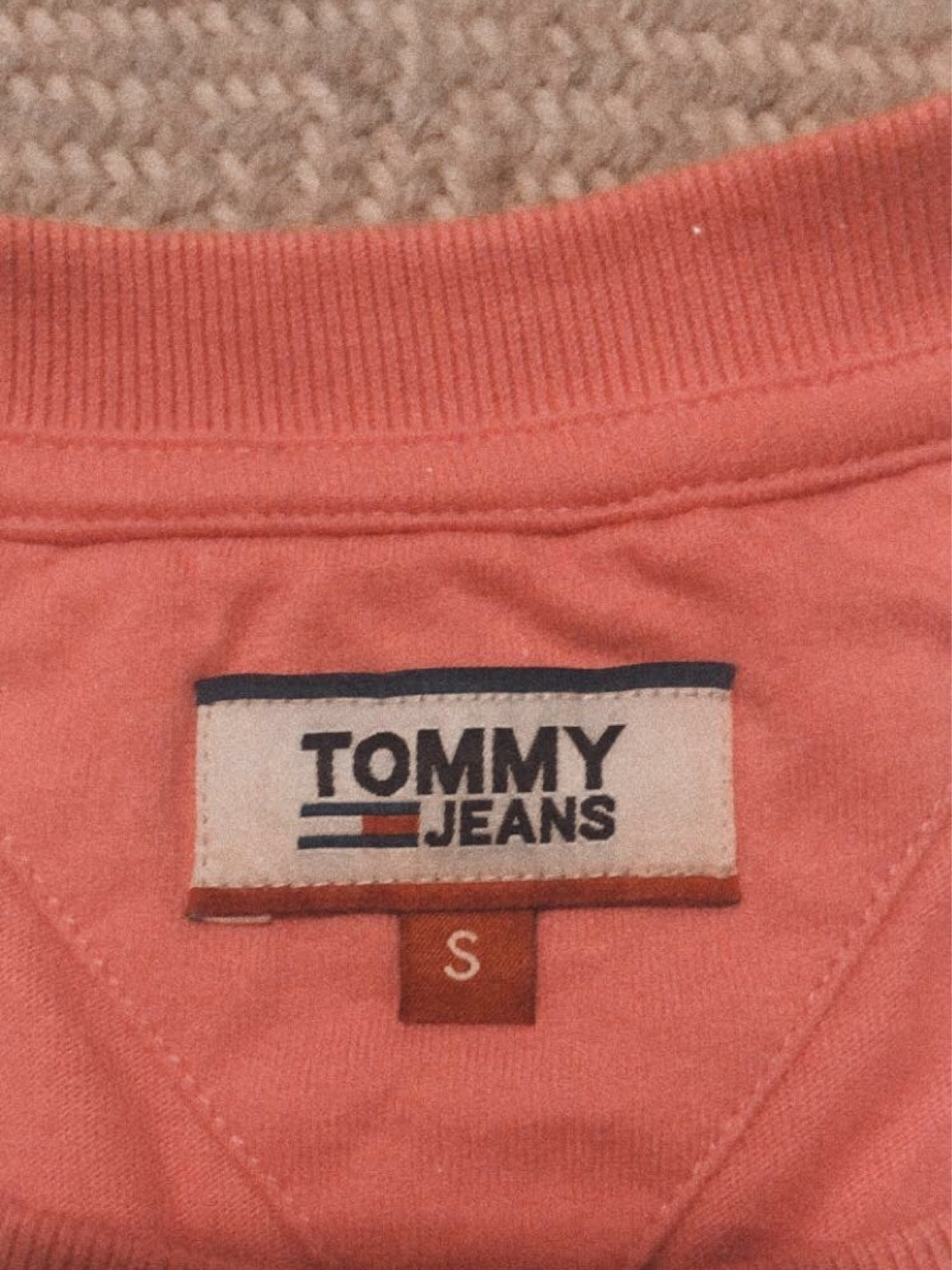 Damen tops & t-shirts - TOMMY JEANS photo 3