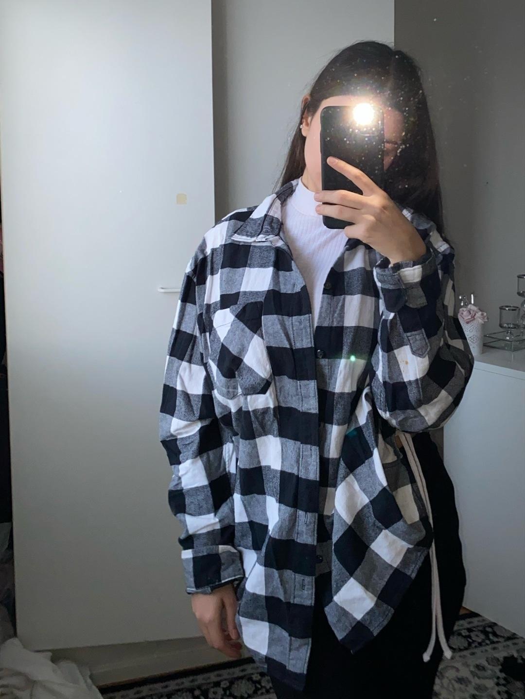 Women's blouses & shirts - VAILENT photo 1
