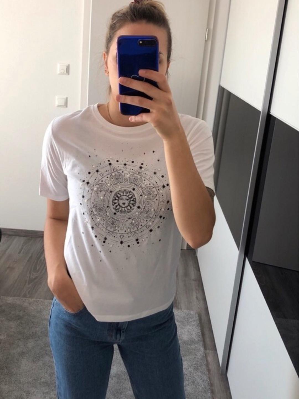 Women's tops & t-shirts - STRADIVARIUS photo 1