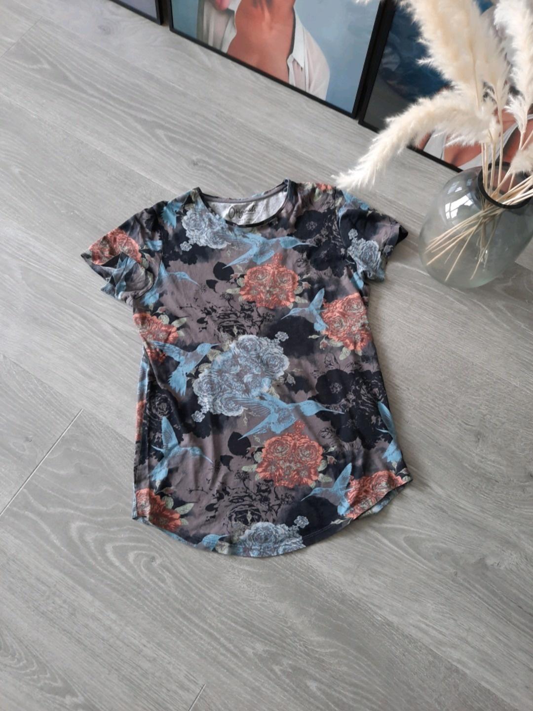 Damen tops & t-shirts - J&J photo 1