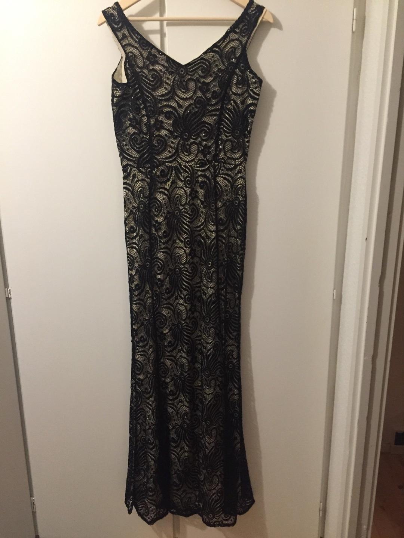 Women's dresses - QUIZ photo 2