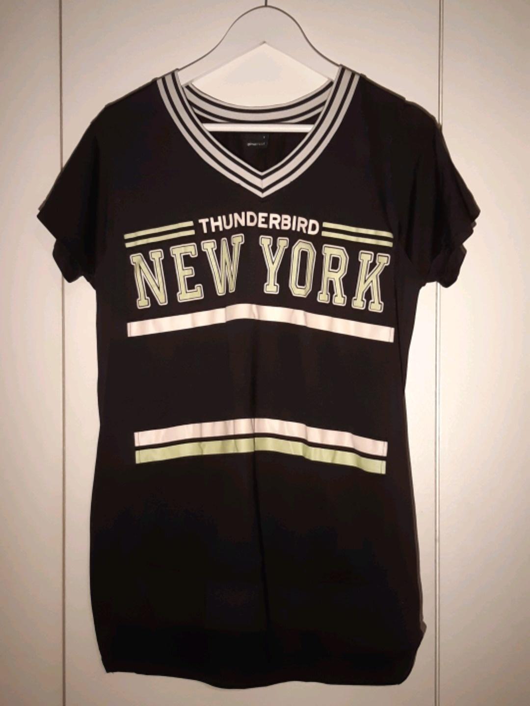 Naiset topit & t-paidat - GINA TRICOT photo 1