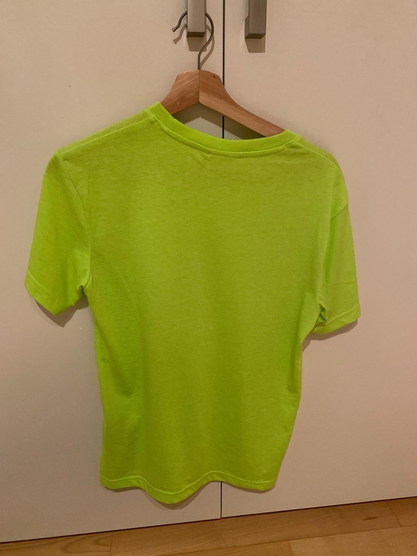 Women's tops & t-shirts - WEEKDAY photo 2