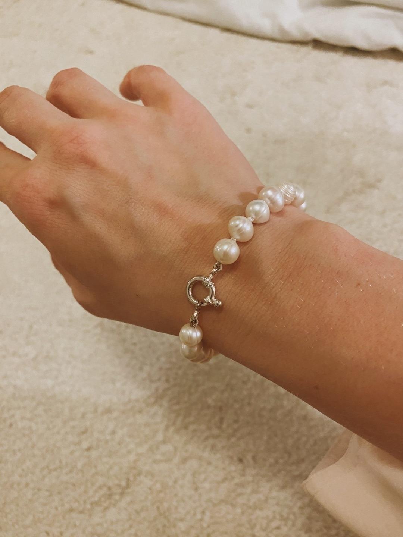 Women's jewellery & bracelets - UNAUTHORIZED photo 1