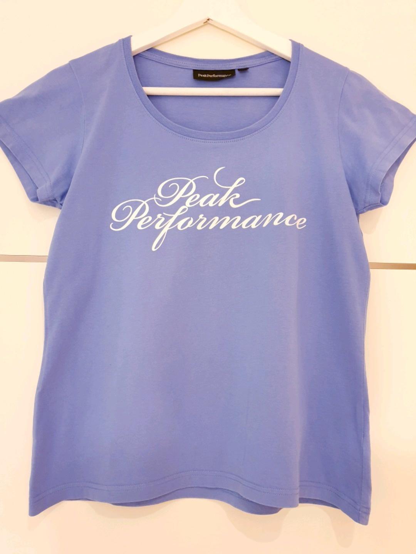 Damen tops & t-shirts - PEAK PERFORMANCE photo 1