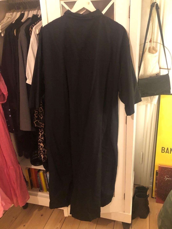Damers kjoler - MONKI photo 2