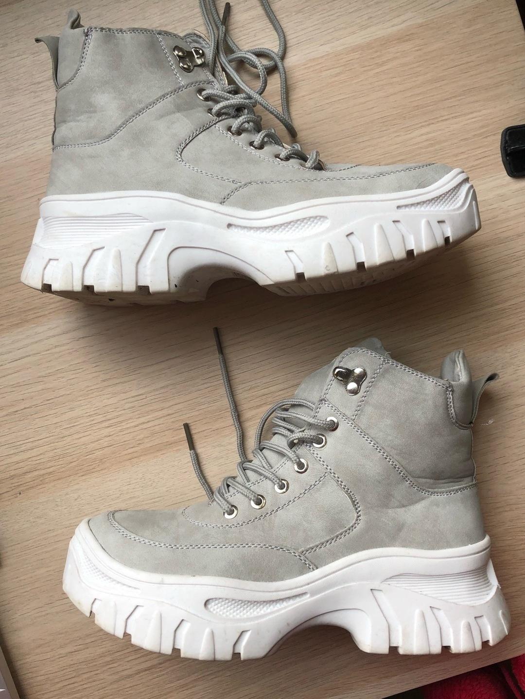 Women's sneakers - SOWHAT BY VAMSKO photo 2