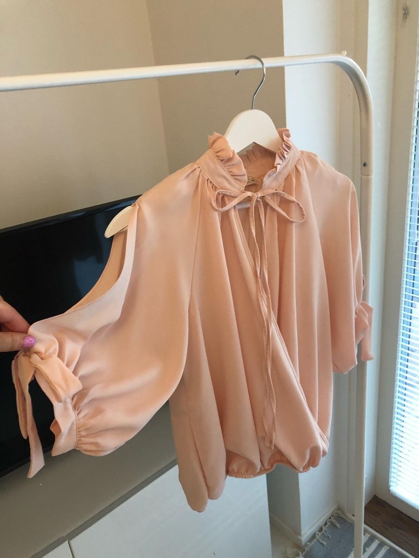 Damen blusen & t-shirts - VERA photo 1