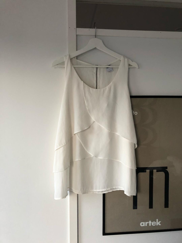 Women's tops & t-shirts - VERO MODA photo 1