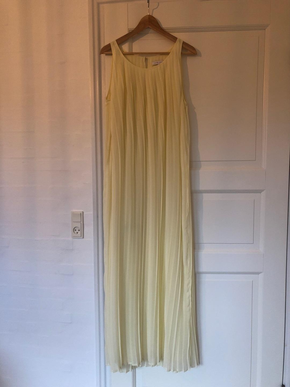 Women's dresses - SECOND FEMALE photo 1