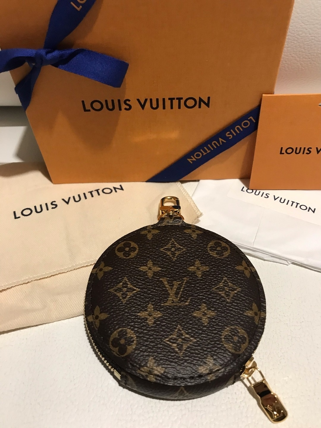 Women's bags & purses - LOUIS VUITTON photo 1