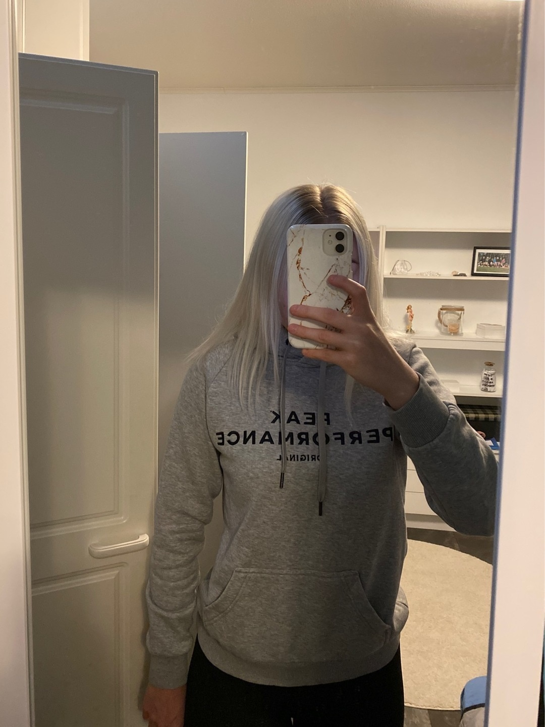 Women's hoodies & sweatshirts - PEAK PERFORMANCE photo 4
