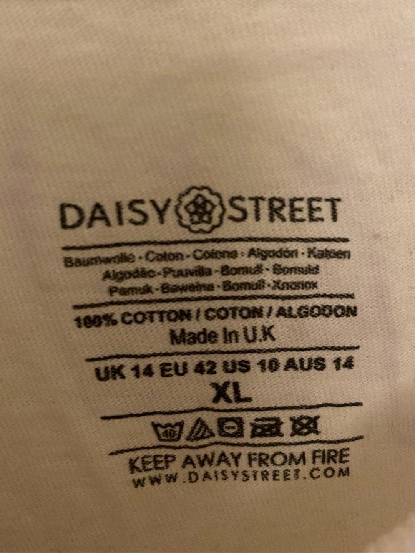 Damers toppe og t-shirts - DAISY STREET photo 3