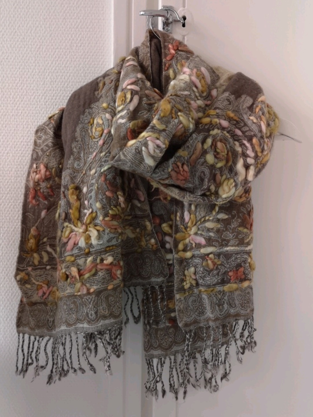 Women's scarves & shawls - GLOBAL ACCESSORIES photo 2