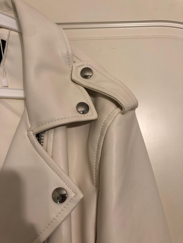 Women's coats & jackets - BERSHKA photo 2