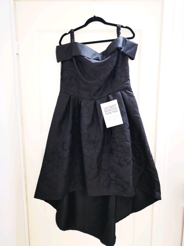 Women's dresses - CHI CHI LONDON photo 1