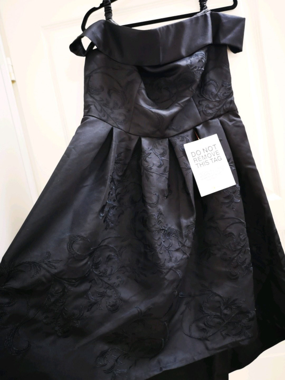 Women's dresses - CHI CHI LONDON photo 2