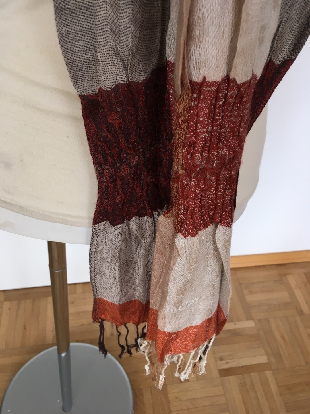 Women's scarves & shawls - - photo 3