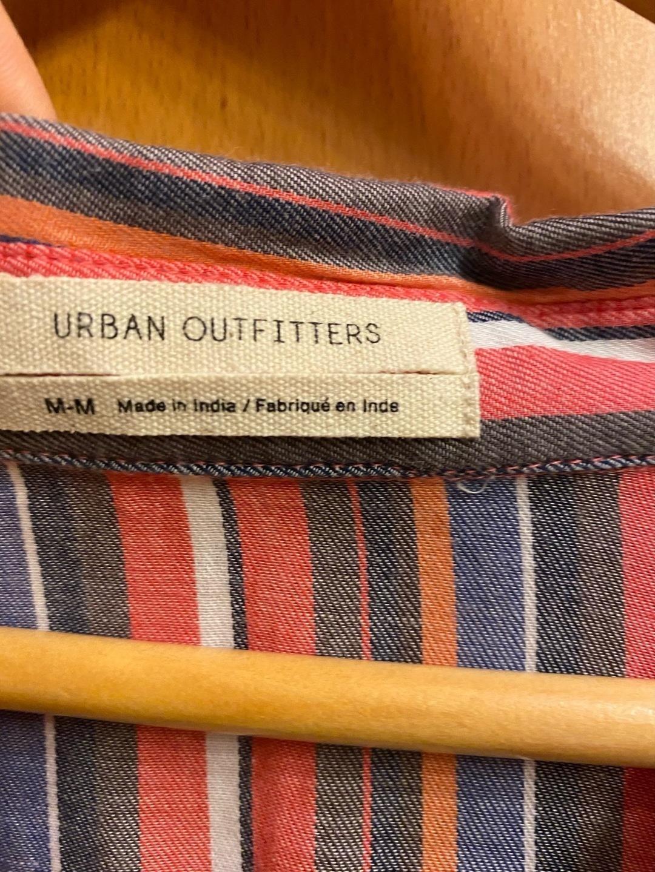 Damen blusen & t-shirts - URBAN OUTFITTERS photo 3